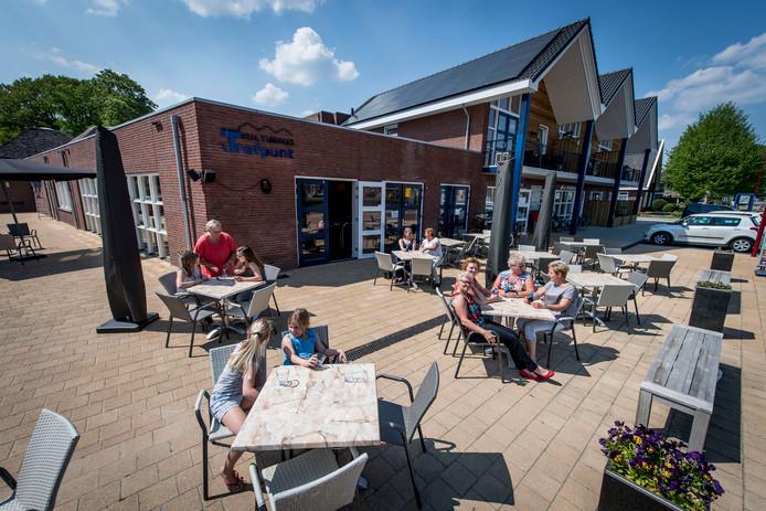 Evert Roelofs was in zijn woonplaats Daarlerveen onder meer betrokken bij de verbouwing van dorpshuis 't Trefpunt tot kulturhus.
