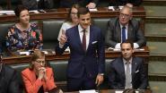 Dries Van Langenhove legt eed af zonder incidenten, N-VA legt meteen migratievoorstellen op tafel