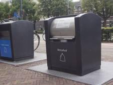 Minder afvalzakken gedumpt bij ondergrondse containers