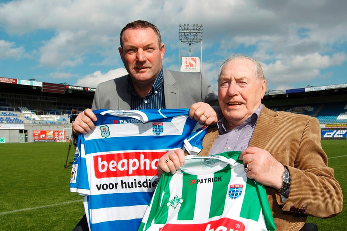 Ron samen met zijn vader Dries Jans bij zijn start bij PEC Zwolle.