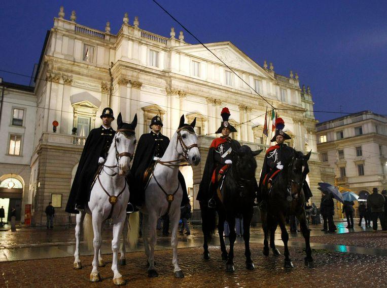 Het operahuis La Scala in Milaan bij de opening van het seizoen. Beeld REUTERS