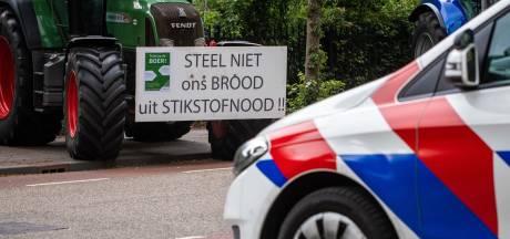Boeren protesteren in Twentse binnensteden en blokkeren A1 bij Holten