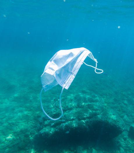 Plus d'1,5 milliard de masques auront pollué les océans en 2020