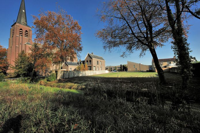 De lege plek naast de pastorie in Zegge Archieffoto
