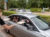 Eindexamenleerlingen Pallas Athene College halen diploma op met de auto