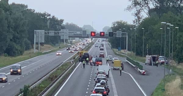 Verkeershinder op A12 richting Arnhem door botsing bij Beek.