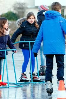 Omwonende vindt dat schaatsers best 300 meter naar ijsbaan kunnen lopen in Lochem