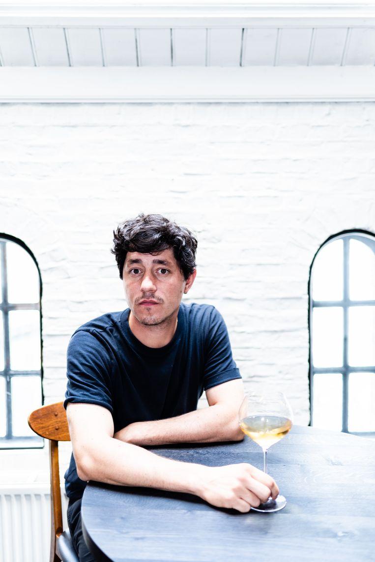 Allesandro da Fies eigenaar Restaurant Bak in Amsterdam en natuurwijnkenner. Beeld Katja Poelwijk