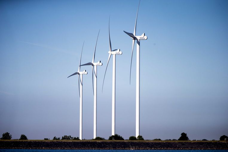 Windmolens bij de Noordzee. Beeld ANP