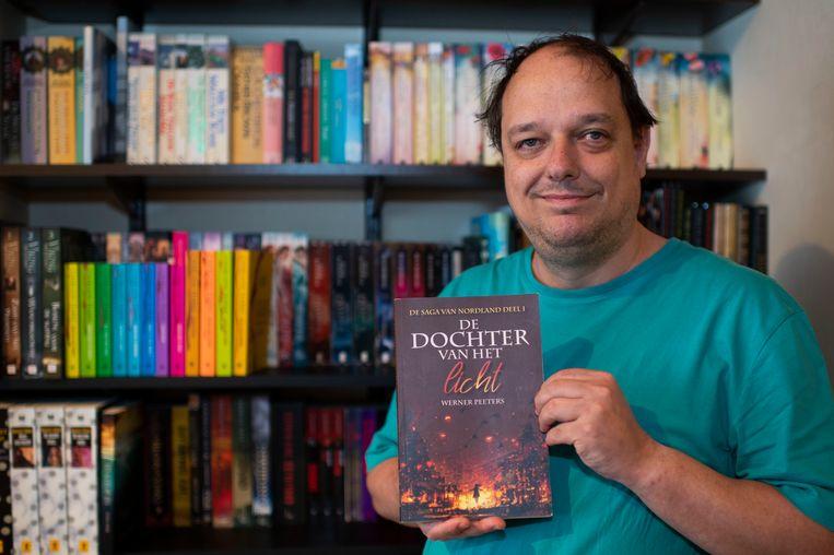 Afgelopen zomer bracht Werner Peeters het eerste deel van de saga uit.