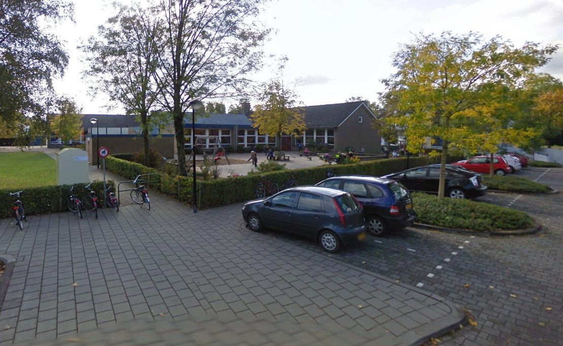Blik op het plein van de Canadaschool in Doetinchem.