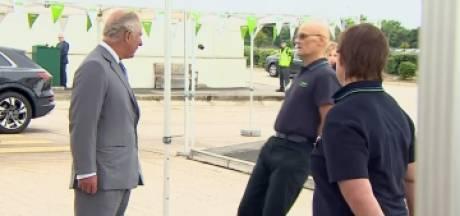 Un employé de supermarché s'évanouit devant le prince Charles