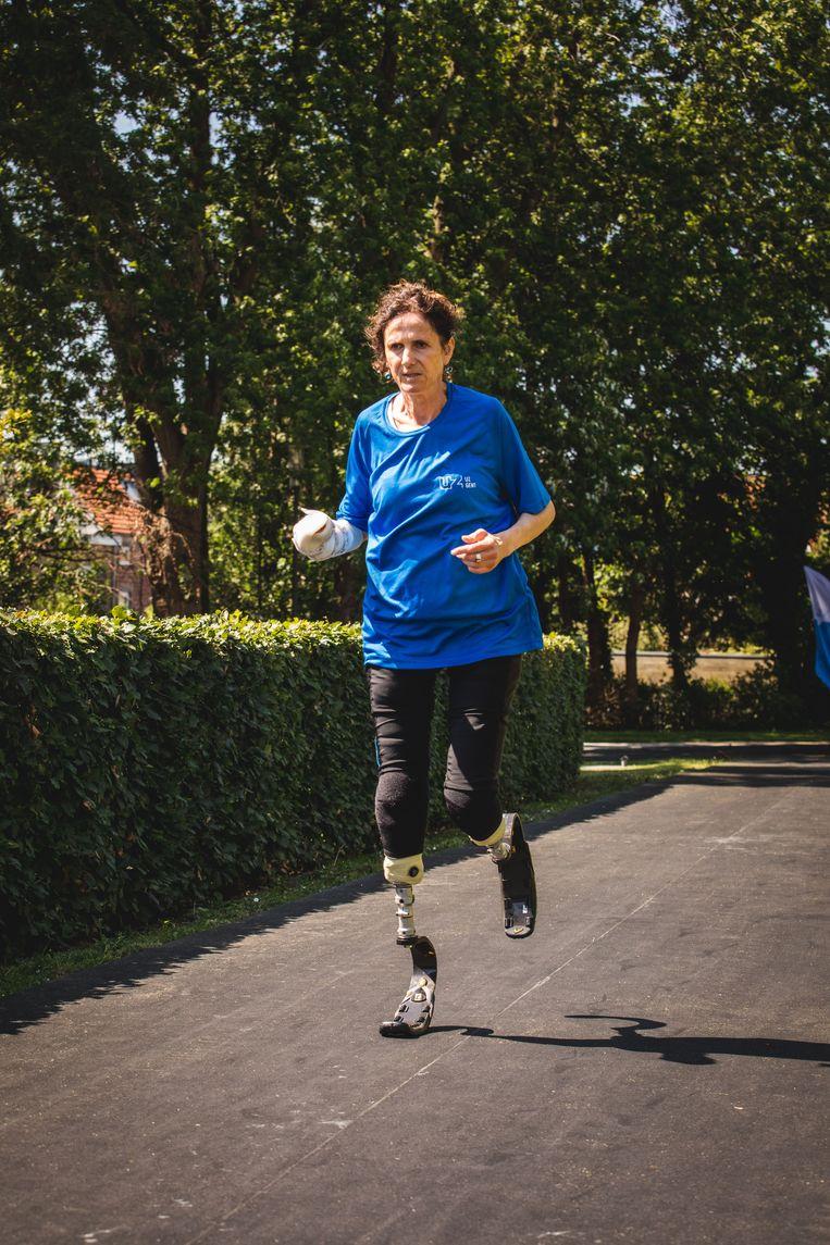 Krista Bracke liep gisteren de nieuwe looppiste van het UZ Gent in