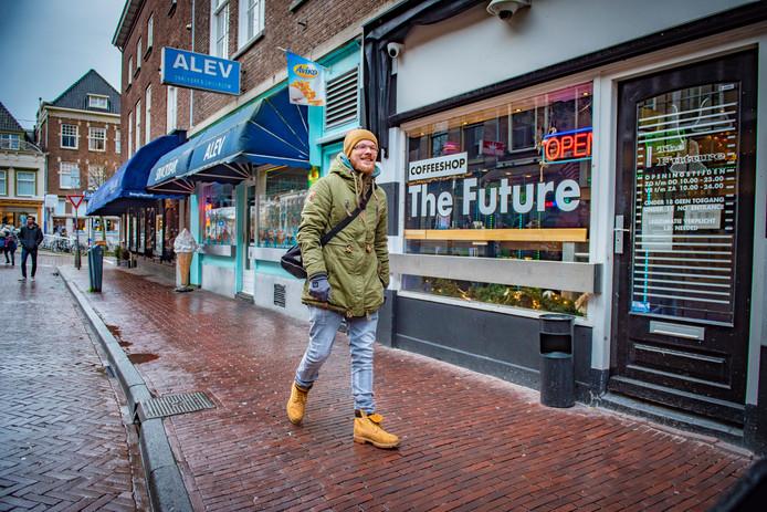 Justitie weet nog niet wie de verdachten de opdracht heeft gegeven om aanslagen te plegen op de twee Delftse coffeeshops.