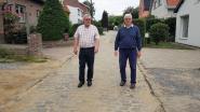 """Bewoners Landhuizenweg vragen oplossing voor verzakte kasseien: """"Volgens nutsmaatschappij is alles in orde maar niemand doet moeite om te komen kijken"""""""