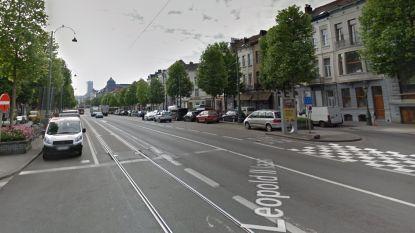 Politie vindt zwaargewonde man in flatgebouw Molenbeek