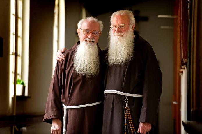 Kapucijnen Jan en Tom de Jeu waren in 2008 samen 100 jaar priester.