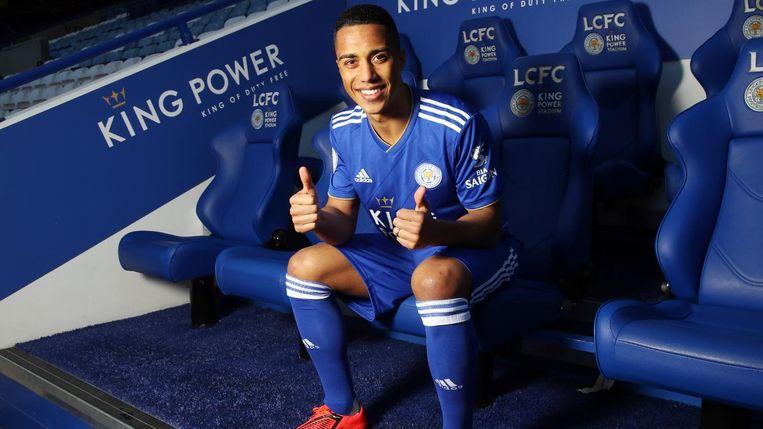 Youri Tielemans tekent bij Leicester City