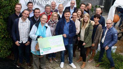 Ename Koestert schenkt 29.284 euro aan Kinderkankerfonds