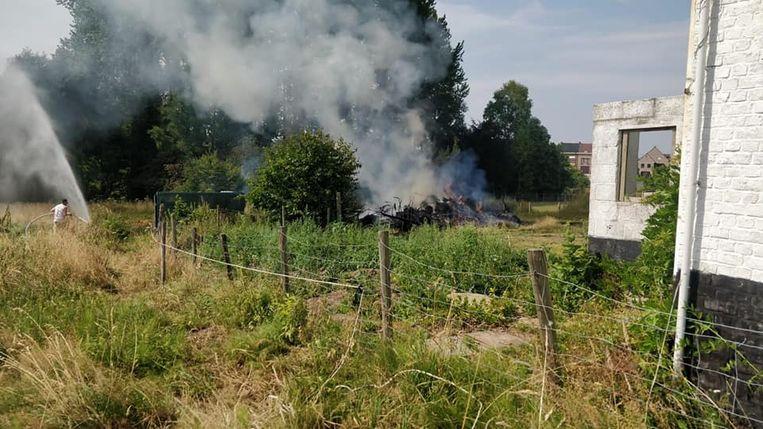 In de Repekouter is er een grote brand ontstaan, nadat tuinafval vuur vatte.