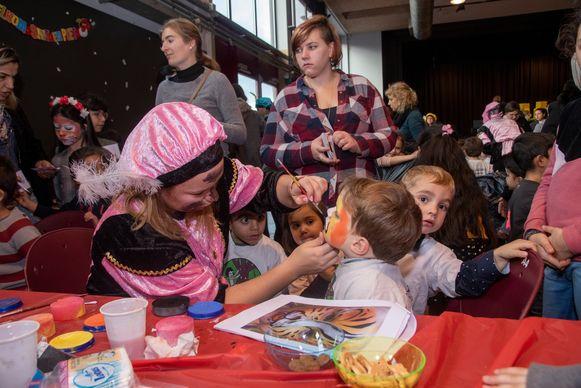 Sint en Pietenschool in de Gemeentelijke Feestzaal van Wetteren: iedereen geslaagd.