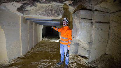 Tunnel door mergelwand in Lacroixgroeve