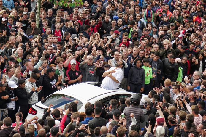 De vader van Abdelhak Nouri bedankt de duizenden fans voor hun steun.