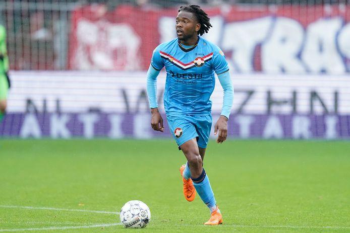 Miquel Nelom tijdens de uitwedstrijd tegen FC Utrecht.