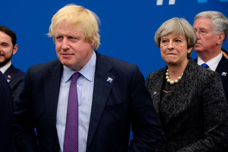 Boris Johnson komt steeds meer op ramkoers met premier May.