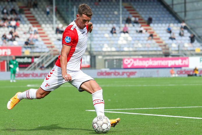 Glenn Bijl in het shirt van FC Emmen zonder sponsor.