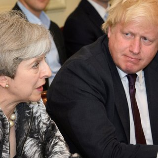 Wat staat de Britten te wachten nu May richting de uitgang is geduwd?