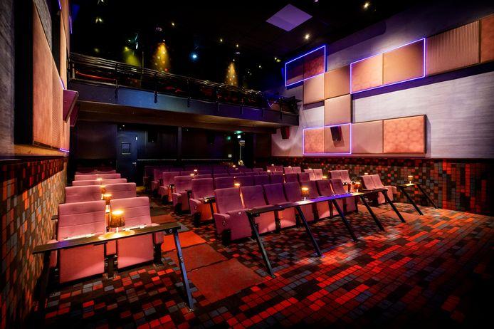 2020-11-04 17:23:19 HOUTEN - Een bioscoopzaal in de bioscoop van Cinelounge. Met de tijdelijke sluiting van bioscopen, musea, en theaters hoopt het kabinet de stijging van het aantal coronabesmettingen terug te kunnen dringen. ANP KOEN VAN WEEL