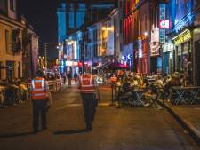 Overpoortstraat geslaagd voor tweede zit: rustige avond met veel politie en gehoorzame studenten