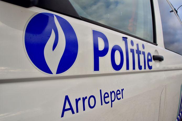 De politie van de zone Arro Ieper is een onderzoek gestart naar de inbraak.