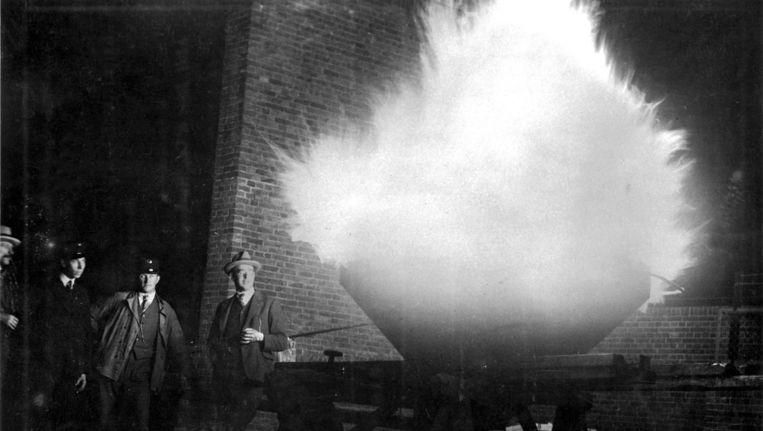 Op 28 juli 1928 werd in de Marathontoren bij het Olympisch Stadion voor het eerst de olympische vlam ontstoken Beeld Spaarnestad