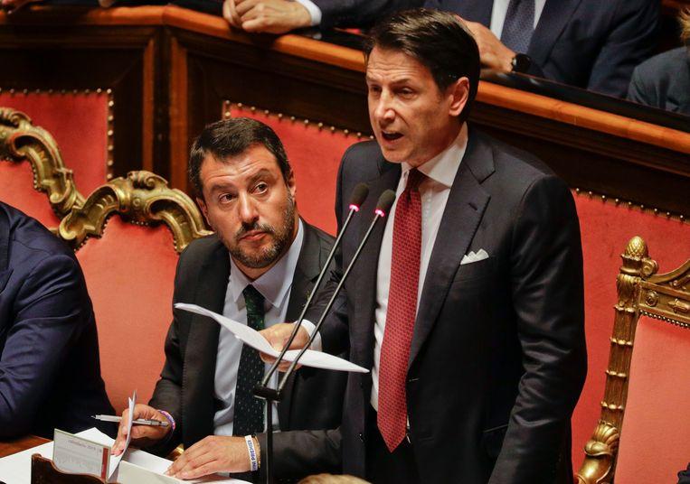 Premier Giuseppe Conte spreekt dinsdagmiddag het Italiaanse  parlement toe.  Beeld AP