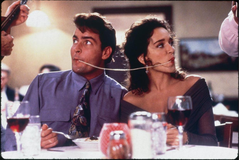 Charlie Sheen in Hot Shots! Part Deux, vanavond op CAZ. Beeld CAZ