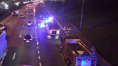 Brandweer krijgt siliconen op snelweg niet opgeruimd: ook ochtendspits kan hinder ondervinden