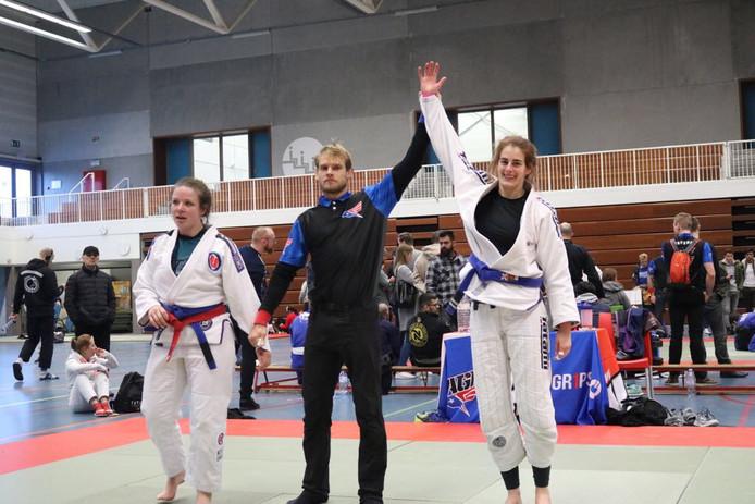 Andrea Verberkmoes (rechts) was in de finale te sterk voor de Nederlandse Sacha Gorinson.