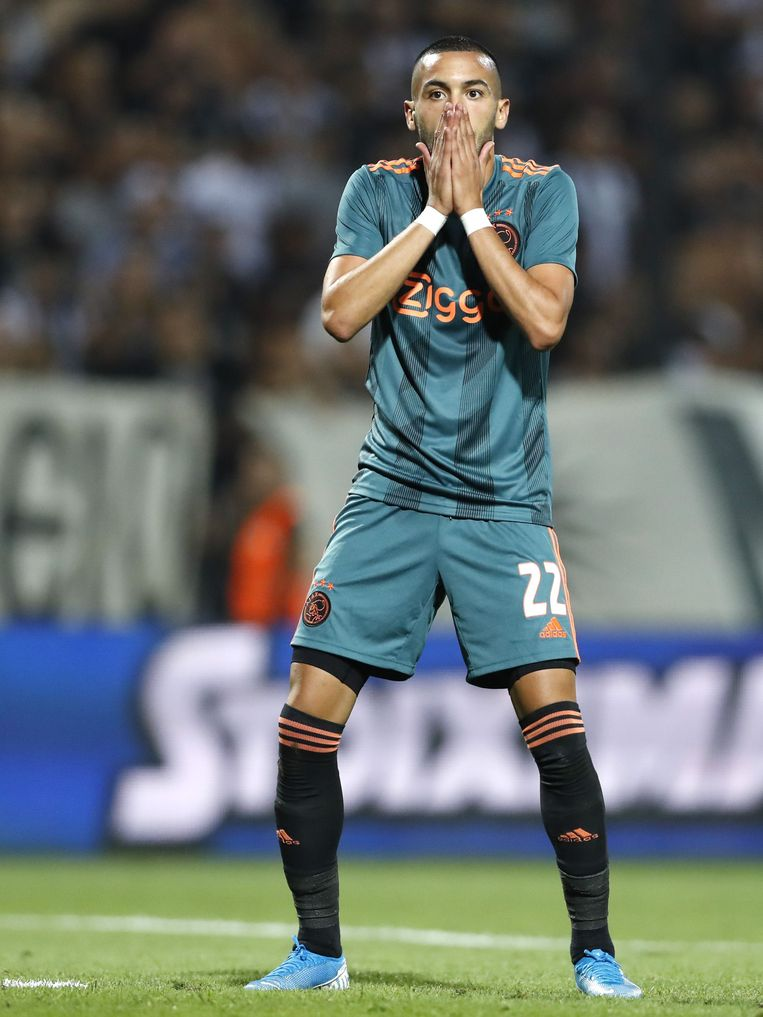 Hakim Ziyech in de wedstrijd tegen PAOK Saloniki. Beeld VI Images