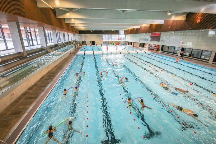 Het zwembad op Kortrijk Weide.