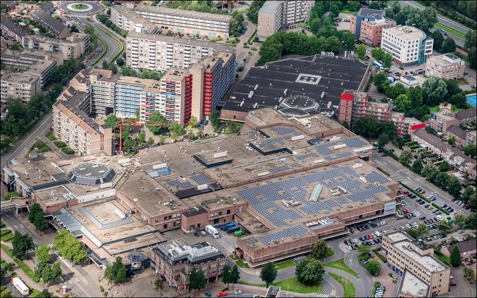 Zonnepanelen op Winkelcentrum Kronenburg in Arnhem-Zuid.