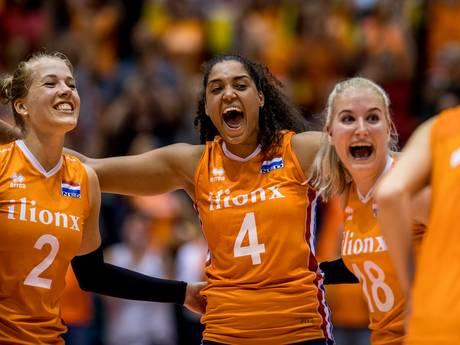 Volleybalsters verslaan Tsjechië en spelen play-offs tegen Kroatië