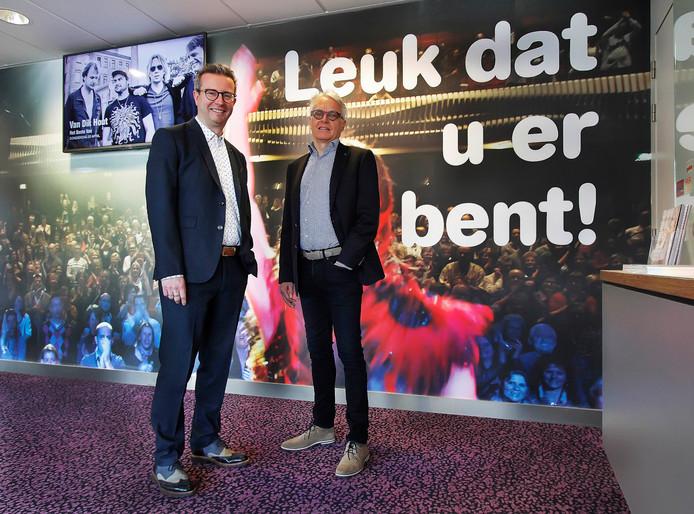 Jan Hein Sloesen ( links) nieuwe directeur schouwburg De Kring , en de nieuwe bestuursvoorzitter Jan van Pul. foto : Gerard van Offeren/Pix4Profs