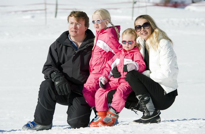 Prins Friso en prinses Mabel met hun dochters Luana en Zaria. © ANP