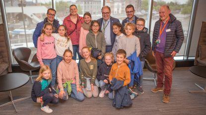 Leerlingenraad op bezoek in het stadhuis en in de gemeenteraad