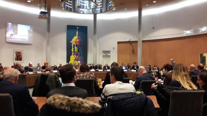 In een volle raadszaal werd maandagavond gesproken over de plannen voor Bolwerk Buitenwacht.
