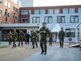 In het ziekenhuis in Ede staan vanaf dinsdag militairen aan het bed van covid-patiënten