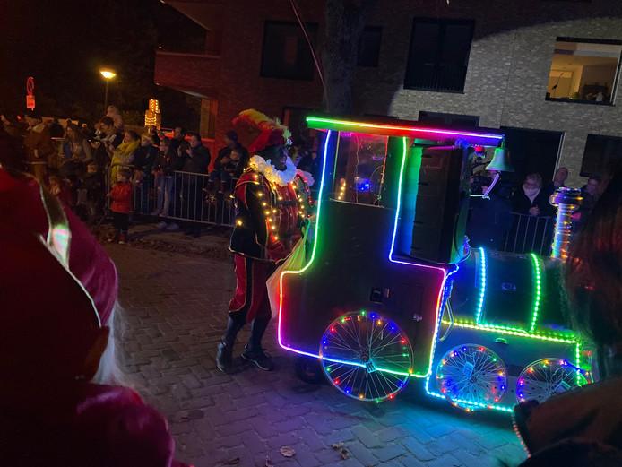 Een jaarlijks verlicht feestje in Kaatsheuvel, de verlichte Sinterklaasintocht.