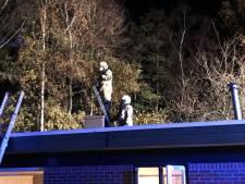Schoorsteenbrand beëindigt abrupt gezellig avondje van jong stel in Ootmarsum